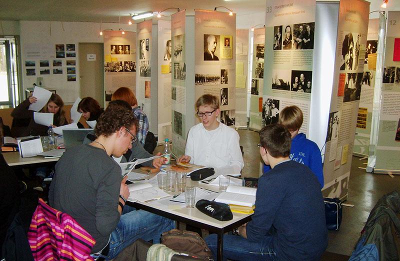 Bildungsangebote der Gedenkstätte: Medienprojekt, 2012. Foto: Lars Hellwinkel, Archiv GLS