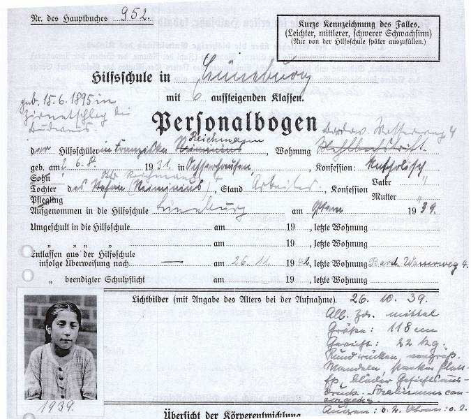 """Personalbogen der """"Hilfsschule"""" in Lüneburg, 1939"""
